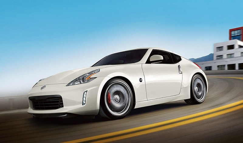 2017 Nissan 370Z in a creamy white