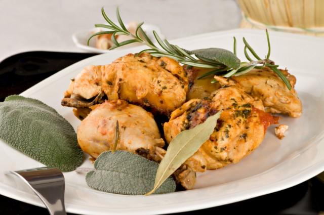 Chicken: tomato, wine, herb sauce