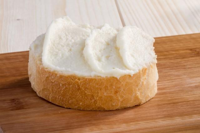 Cream Cheese/Ricotta baguette