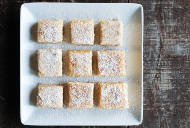 Lemon Bars, powdered sugar