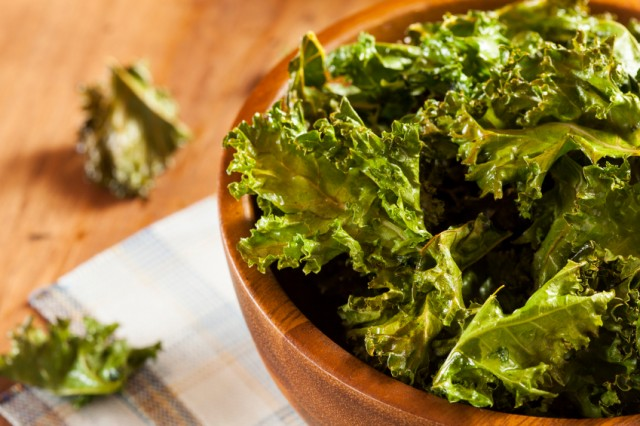 Kale chips | iStock.com
