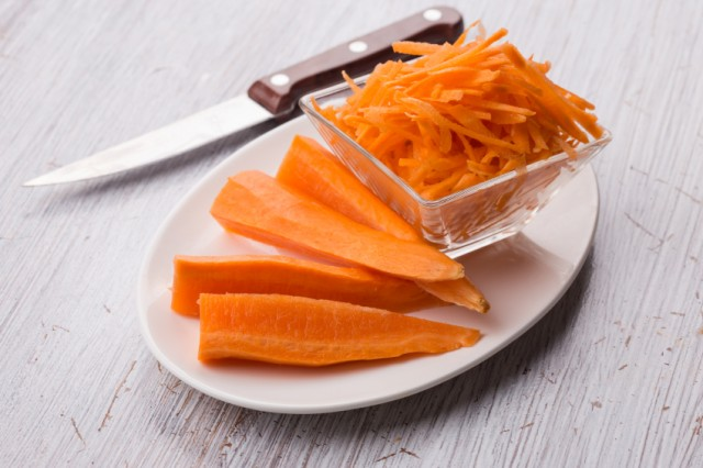 chopped carrots on a plate