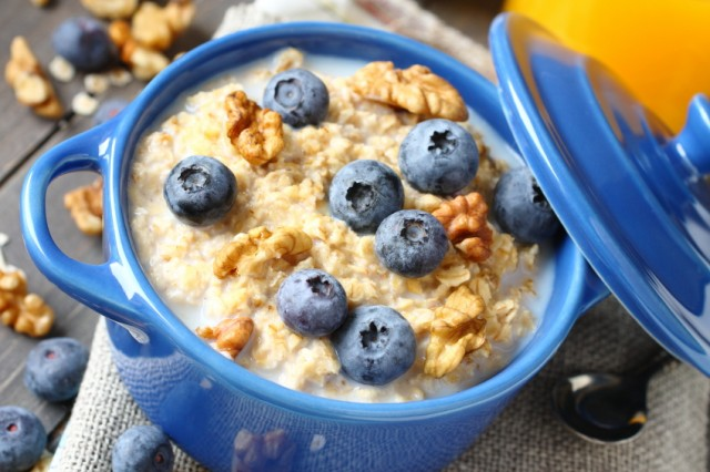 Oatmeal is full of fiber, which could help you lose weight faster.