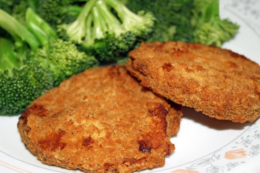 Chicken patties, broccoli