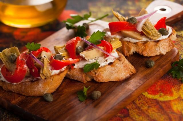 Artichoke Toasts, bruschetta