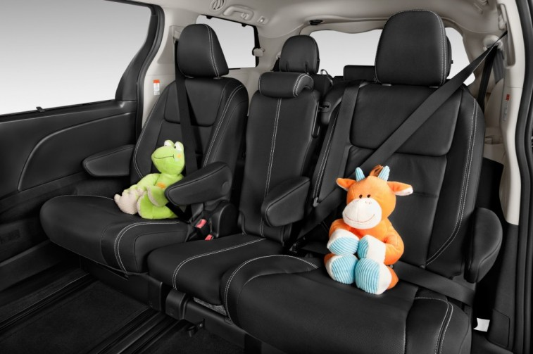 10 of the Best Auto Buys With 3rd Row Seating - Page 7