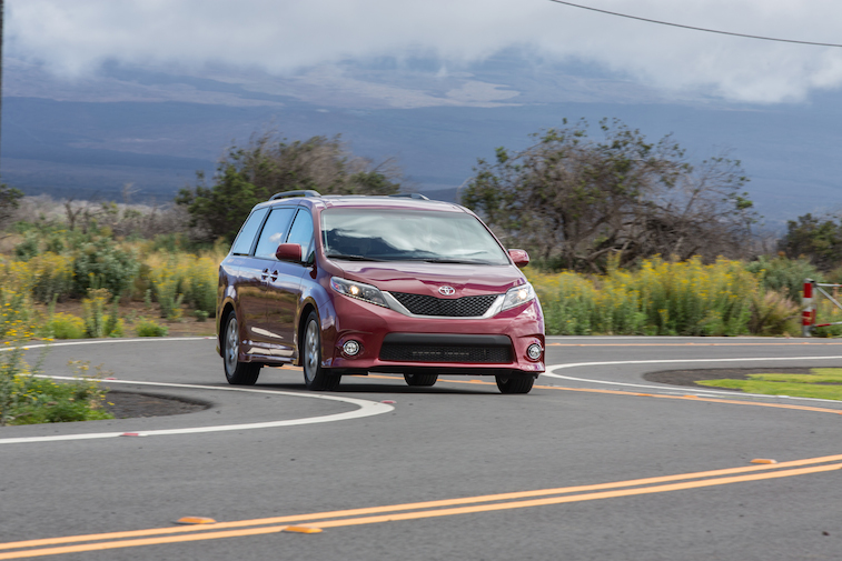 5 reasons you should buy a minivan especially a toyota sienna page 3