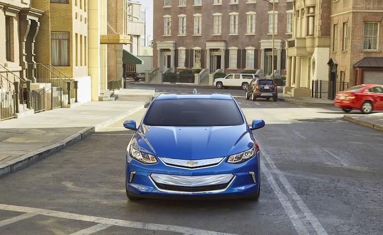 2016-Chevrolet-Volt-012