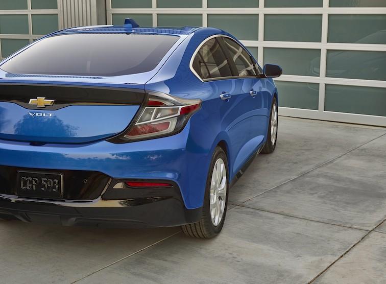 2016-Chevrolet-Volt-021-e1441473327809.jpg