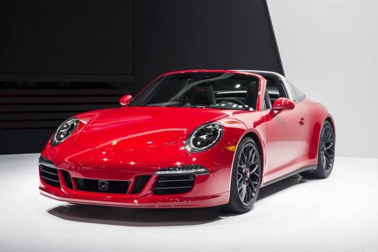 Porsche_911_Targa_GTS_front3:4