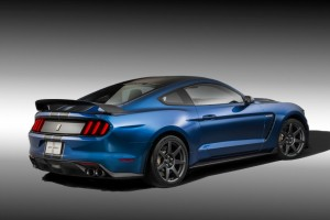 Why Ford's Shelby GT350R Roars With an Italian Accent