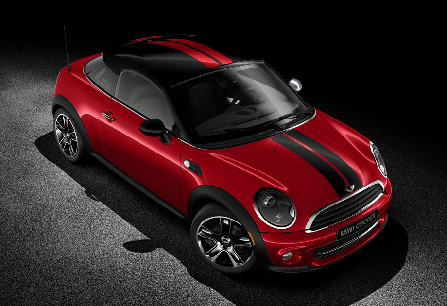 The sporty Cooper Coupe in Chili Red with contrasting sport stri