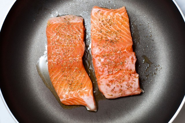 salmon, skillet, pan, cooking