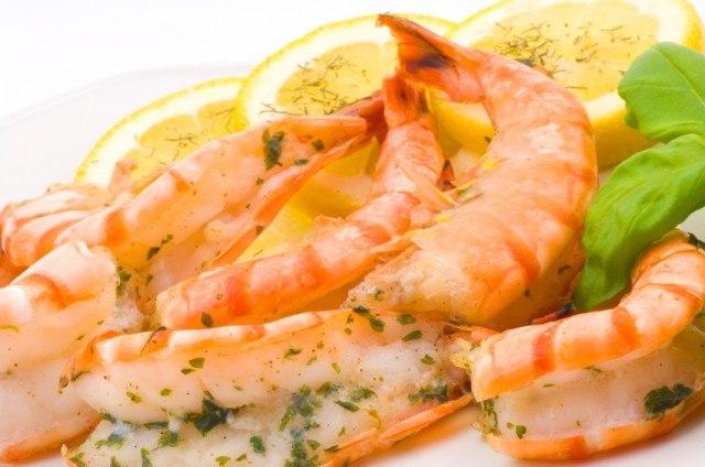 grilled prawns with garlic, shrimp