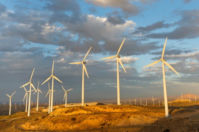 Wind Farm at Tehachapi Pass, Califronia, USA