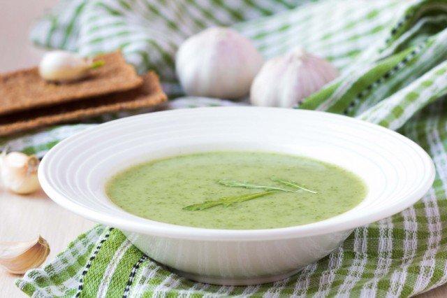 Green cream soup, arugula