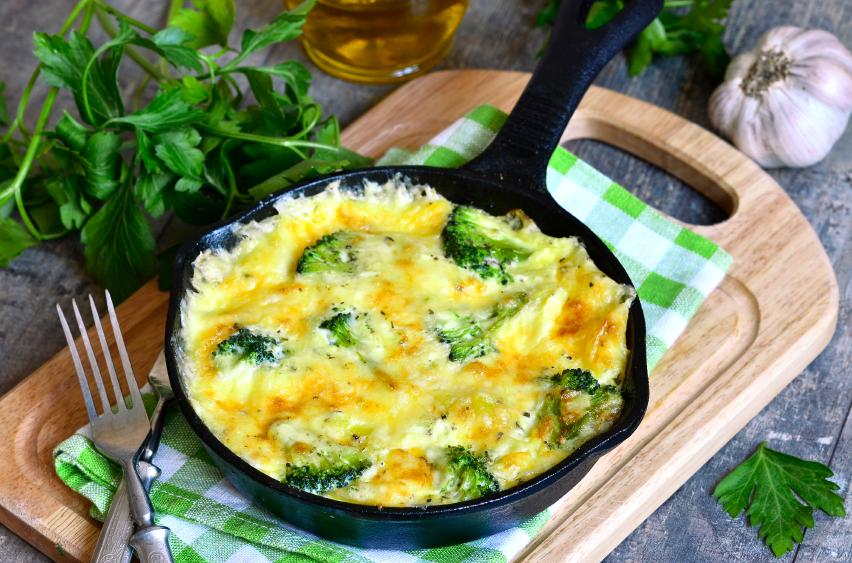 Frittata with potato and broccoli.