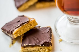 6 Simple Desserts Calling for Ritz or Saltine Crackers