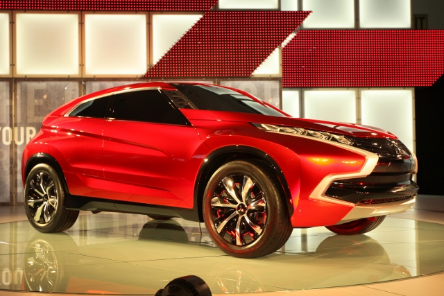 Los Angeles Hosts Annual Auto Show