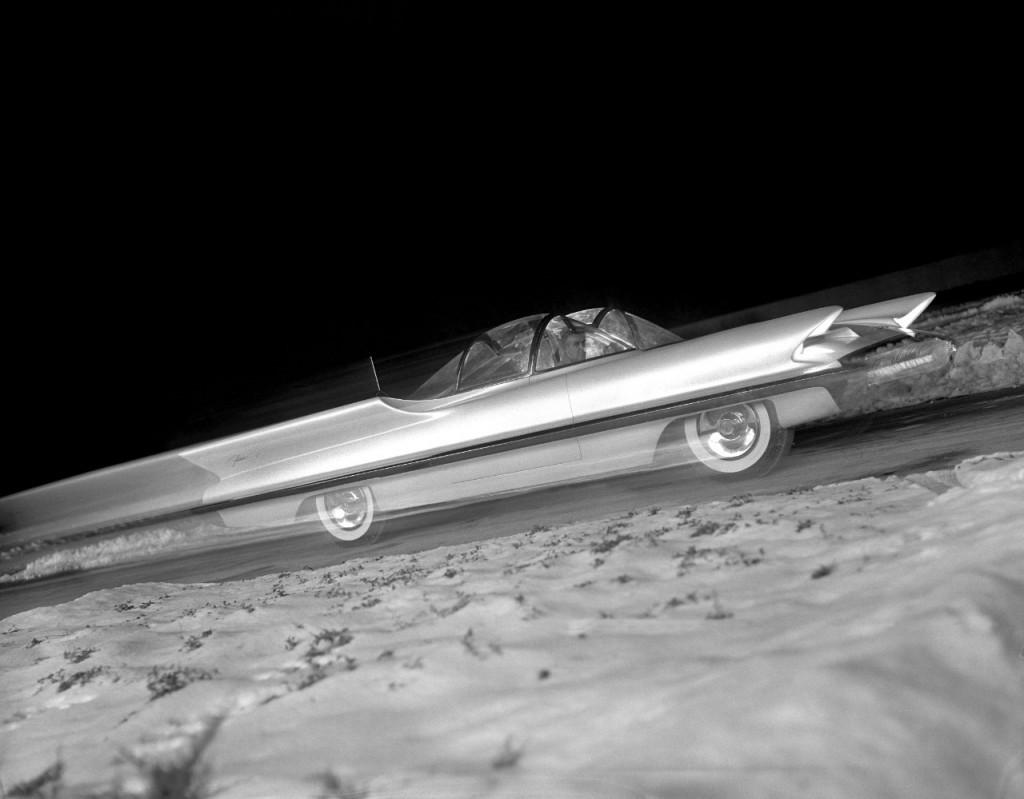 1955_LincFuturaConCar02_HR