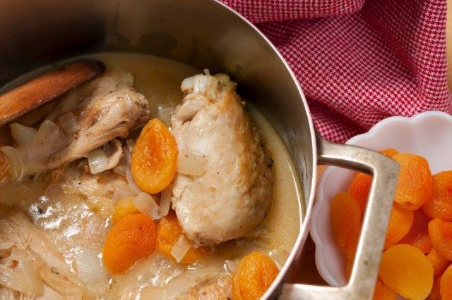 Braised Chicken with Dried Apricots