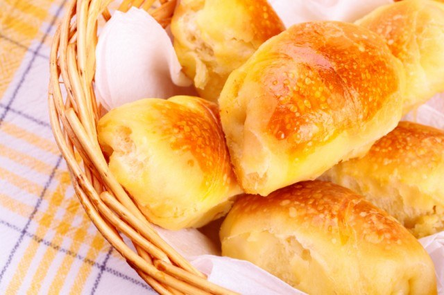Baked puff pastry appetizer, poppers