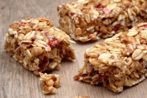 Healthy Granola Bar Recipes Using 4 Ingredients or Less