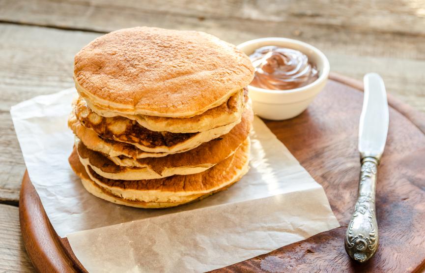 Pancakes with chocolate cream