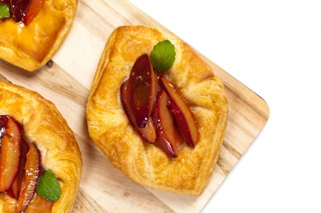 Plum puff pastries, tart, pie