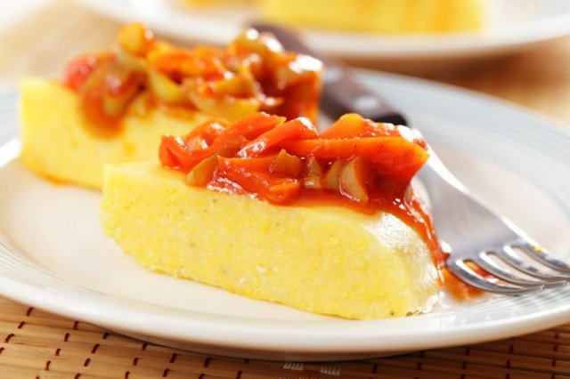 Polenta, red bell pepper