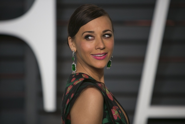 Rashida Jones arrives to the 2015 Vanity Fair Oscar Party