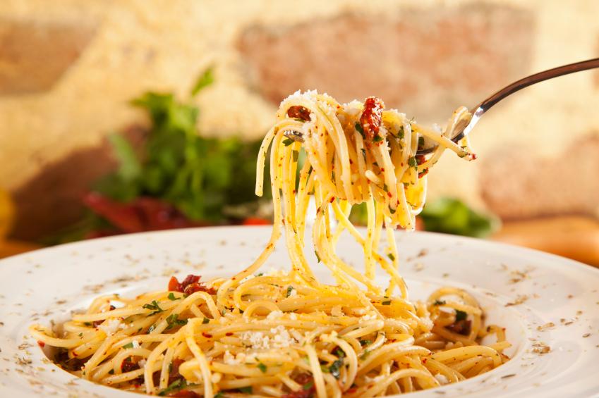 Spaghetti Aglio Olio, pasta, garlic, red pepper flakes