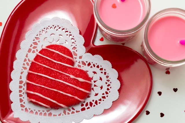Red Heart Cookies, Icing