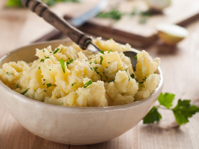 bowl of mashed potatoes