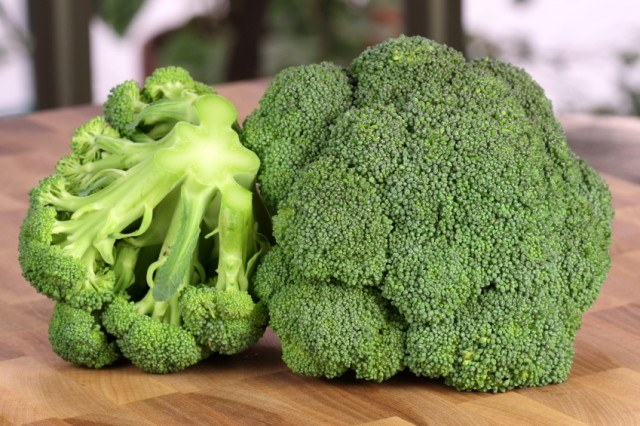 Use broccoli to make delicious side dishes