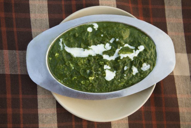 palak paneer , spinach and cheese curry
