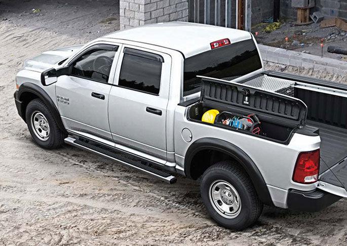 ram1500-exterior-tailgate-down-sm