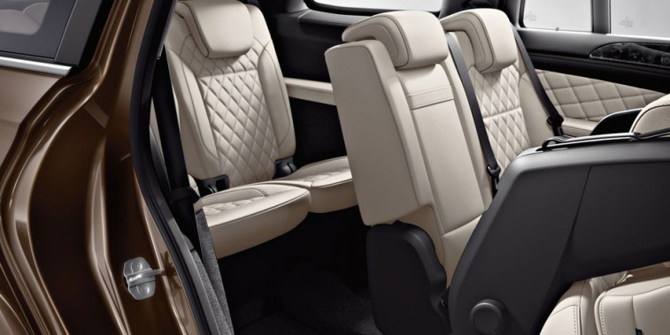 10 of the Best Auto Buys With 3rd Row Seating - Page 8