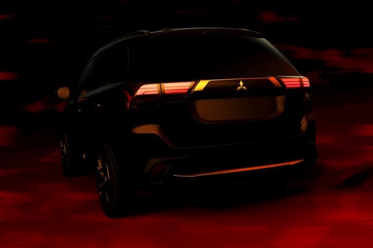 2016_Mitsubishi_Outlander_Rear