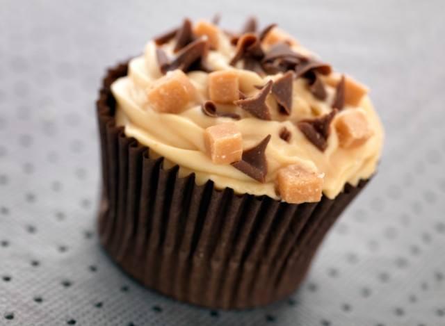 Chocolate Dulce de Leche Cheesecake Stuffed Cupcakes