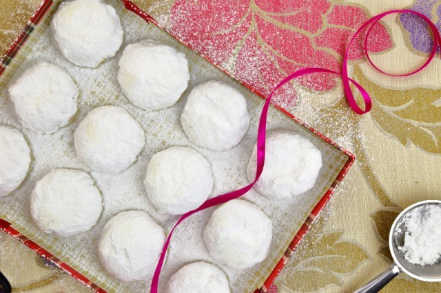 Butter cookies, powdered sugar powder in a box