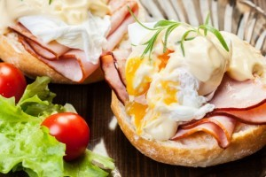 Tasty Ways to Eat Poached Eggs for Breakfast, Lunch, and Dinner
