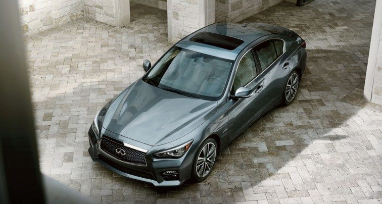 Overhead view of the 2014 Infiniti Q50 Hybrid