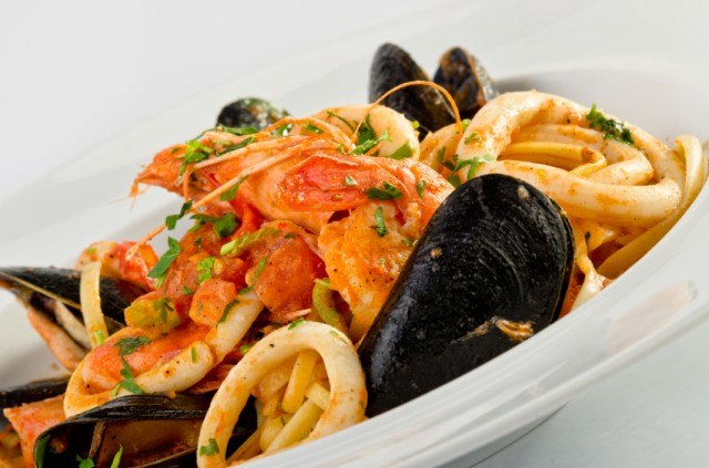 Seafood pasta with mussels and calamari