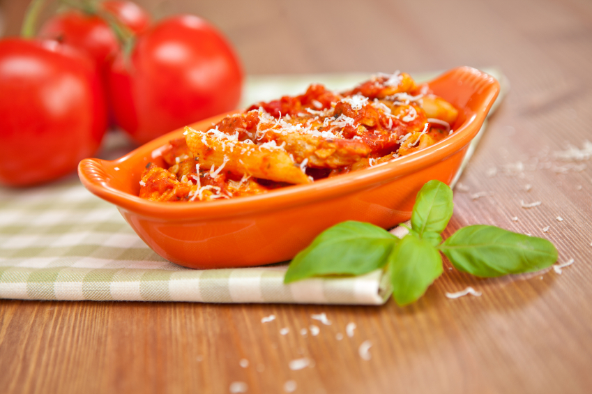 Spicy penne pasta, baked
