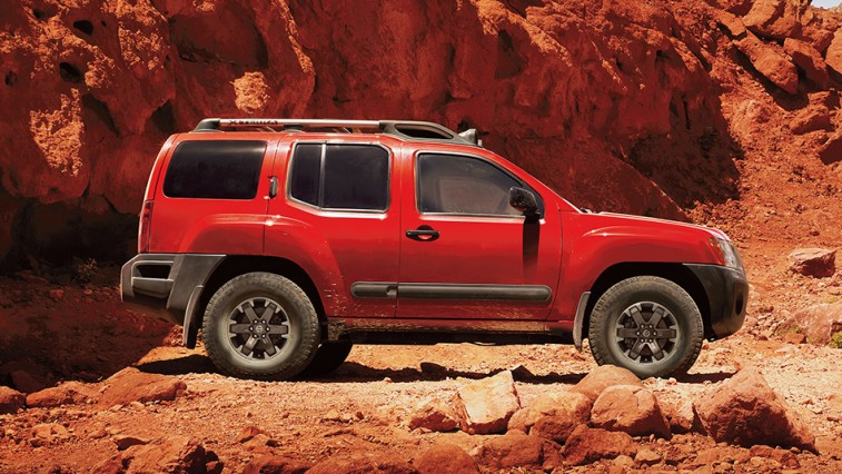 the 12 best suvs and trucks for off road. Black Bedroom Furniture Sets. Home Design Ideas