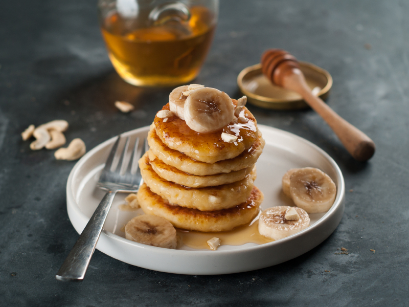 Banana Pancakes, honey