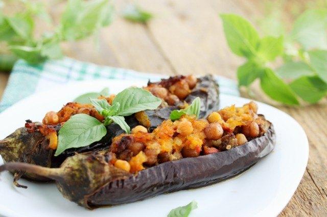 chickpea stuffed eggplant