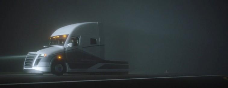 freightliner_driving