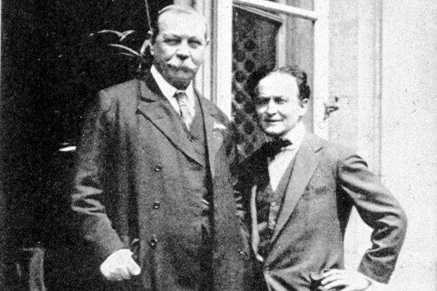 Harry Houdini and Arthur Conan Doyle - FOX